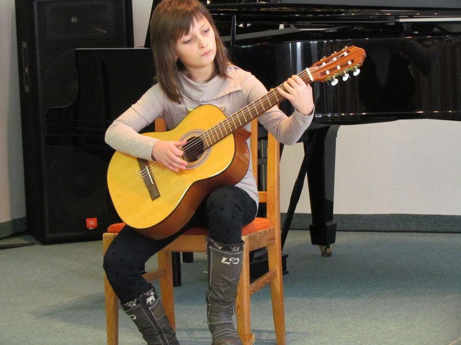 OKRESNÍ KOLO SOUTĚŽE ZUŠ - hra na kytaru